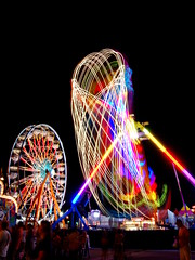 Freak Out and Ferris Wheel (Jeremy Stockwell) Tags: longexposure motion nikon ride heart statefair spin indiana fair spinning photofriday ferriswheel rides midway freakout flickrmeetup spirograph indianastatefair d40 jeremystockwellpix nikond40 bestof2009 indyflickr081409 indianastatefairmidway spirographpattern photofridaybestof2009