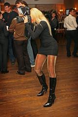 wirklich heiße Fotographin (tanjahammerl) Tags: pantyhose beine strumpfhose strumpfhosen stiefel kleid minikleid tanjahammerl