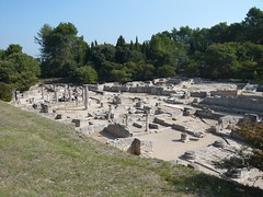Glanum - Les Antiques (Vaxjo) Tags: france saint ruins roman du rhne empire provence 13 tp romain ruines antiquities glanum antiquits rmy bouches romaines