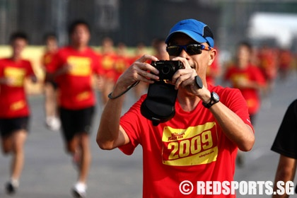 09-nike-human-race-picture-15