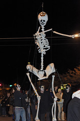 Missoula Day of the Dead Parade Skeleton (CT Young) Tags: dayofthedead skeleton montana downtown folkart mt parade
