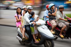 HOV (Alex Stoen) Tags: family familia canon geotagged amazing downtown traffic 5 transport motorcycles vietnam motionblur transportation motorcycle vehicle saigon hochiminhcity indochine indochina trafico occupancy hov canonef24105mmf4lisusm ef24105f4lisusm highoccupancyvehicle 5dmk2 canon5dmarkii alexstoen alexstoenphotography geo:lat=10775508 geo:lon=10670224
