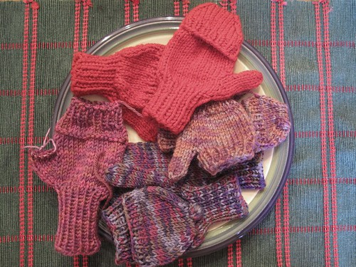 ChemKnits: Search for the perfect convertible mittens pattern