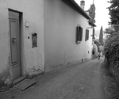 little street, bike riding, florence (embarquement) Tags: bike florence tuscany firenze cypress cypresses littlehouse sminiatoalmonte