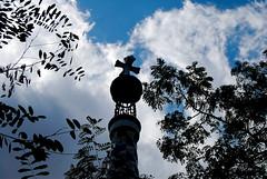 Coss in the sky (Kikko Design) Tags: barcelona travel spain catalunya parcguell monuments barcellona spagna gaudì kikko gaud kikka kikkoekikka patoepaty