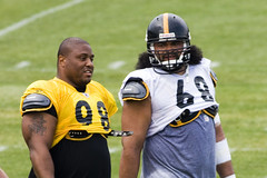 big snack and kemo-eat-u (truello) Tags: chris camp black training gold casey football pittsburgh nfl 98 hampton steelers 68 trainingcamp stillers preseason blackandgold pittsburghsteelers canonef400mmf56l caseyhampton kemoeatu bigsnack chriskemoeatu truello stc20090812