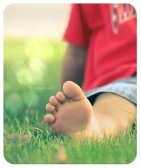 footloose (alvin lamucho ) Tags: park light boy red summer green feet grass vintage fun leaf toes soft play gulf bokeh m
