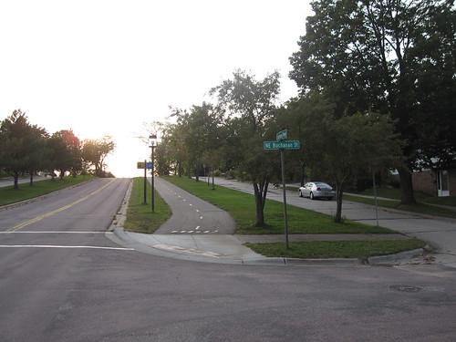 St Anthony Parkway at NE Buchanan St