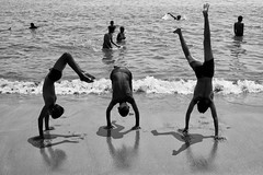 CIV (GGYacob) Tags: bw beach dance mumbai callesdearena
