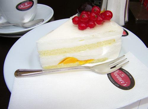 Joghurt torte c/o Cake Gumshoe Megan
