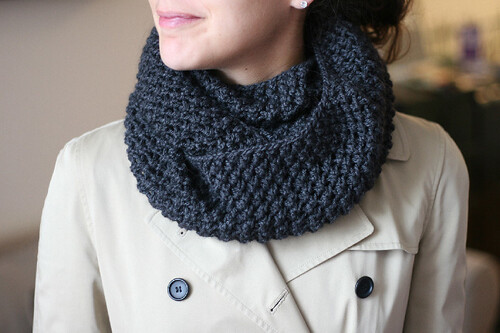 Fifth Avenue Infinity Scarf Free Knitting Pattern from the Cowls and neckwarm...
