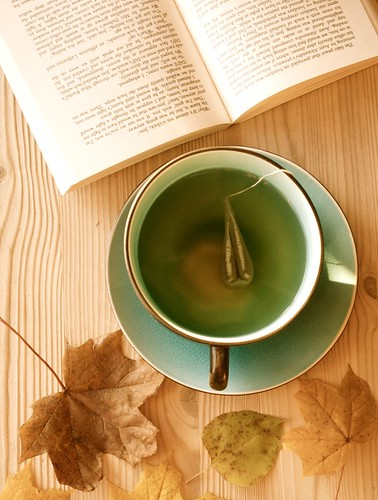 tea. books. autumn.