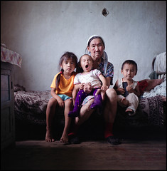 Russian natives. (Luchinsky) Tags: family ethnic povert natives artlibre otherrussia udigeytsi