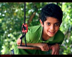 '     .. (ANOODONNA) Tags: portrait canon bokeh 40d alrasheed alanood   flickrunitedaward anoodonna
