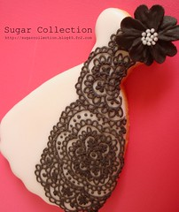 black & white dress cookie (JILL's Sugar Collection) Tags: foods cookie dress decoration icing piping picnik foodcolor royalicing sugarcraft