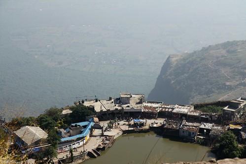 Low 2009-11-20 Champaner - Kalika Mata Mandir 04 - View from the top of the Mandir