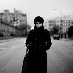 [フリー画像] [人物写真] [女性ポートレイト] [白人女性] [帽子] [コート] [モノクロ写真]     [フリー素材]