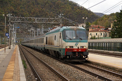 Trenitalia E402.007 (Maurizio Boi) Tags: railroad italy train rail railway locomotive treno trenitalia ferrovia locomotiva e402a