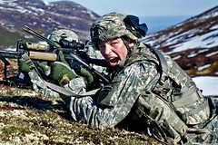Yelling commands (The U.S. Army) Tags: usa army ak helicopter soldiers blackhawk airforce missions airraid fortrichardson jber jointbaseelmendorfrichardson 501stgeronimo