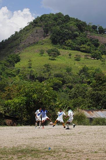 soccerBarrio_004