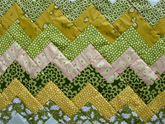 summer zigzag quilt top in progress. ({ philistine made }) Tags: green yellow quilt quilting zigzag heatherross summersewing frogstadpoles crazymomquiltstutorial