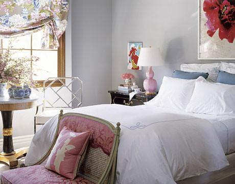 Feminine elegance: Benjamin Moore 'November Skies' + pink Spitzmiller gourd lamp