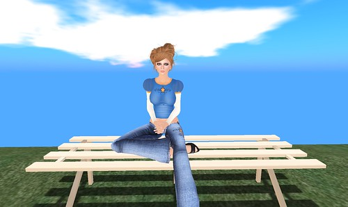 *Amaris* DSN gift + Slice of Summer hunt gift bench from Off-Brand Furniture