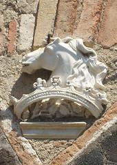(M@rkec) Tags: italia sicily taormina horsehead sicilia itali gevelsteen sicili gablestone paardenhoofd viacappuccini taorminame 270709