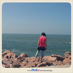 Flickr buddy icon with Flickr colors. (ShanLuPhoto) Tags: ocean china travel blue sea summer vacation sky beach back shandong weihai looloo loolooimage