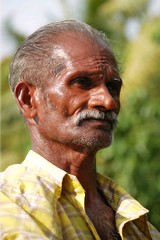 Local Boatman in Alleppey (SavStar) Tags: india kerala backwater alleppey
