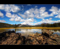 Sparks Lake, Oregon - HDR (David Gn Photography) Tags: mountains oregon sisters landscapes rocks lakes pacificnorthwest hdr sparkslake photomatix brokenmountain superaplus aplusphoto platinumheartaward sigma1020mmf35exdchsm canoneosrebelt1i