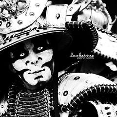 OO (jmnuel) Tags: street bw black blanco look hat japan eyes fear negro bn ojos carnaval mascara sombrero tamron mirada japon miedo calles pintura qhite
