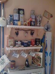 Teeregal-Ecke VOR dem Streichen (Lady in Black) Tags: kitchen wall tea wand shelf küche farbe tee regal streichen wohnen renovieren