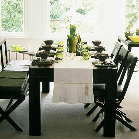 Pictures of dining room table settings
