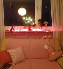 So nice christmas time  ( J a c k y) Tags: christmas pink love emily time rosa pillows couch sofa april pullip bella jacky pullips alte xiaofan shinku