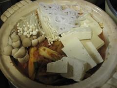 豆腐、春雨、きのこ投下