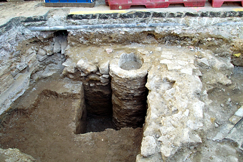 ruins-near-muvim