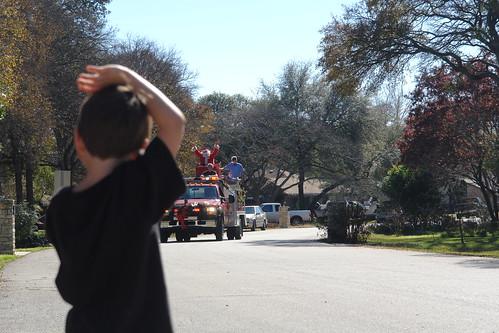 It's Fireman Santa!