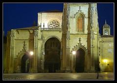 Portada Catedral de Oviedo