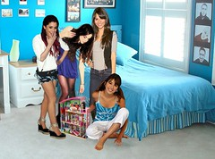 Victorious Dollhouse Domination (Incredibleshrunkendude) Tags: feet hands dollhouse giantess shrink shrinking victorious shrunk tinyman shrunkenman victoriajustice daniellamonet arianagrande incredibleshrunkendude elizabethgilles