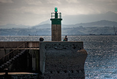 Maana de pesca (Jaime GF) Tags: costa maana muelle mar asturias luanco pesca cantbrico gozn