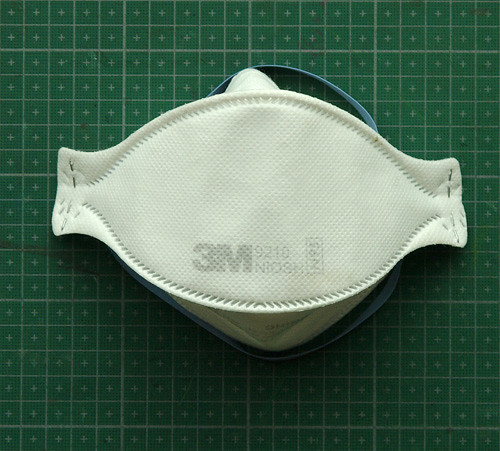 3M 9210 disposable respirator mask