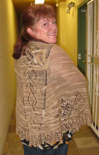 Lindas finished Top-Down Shawl