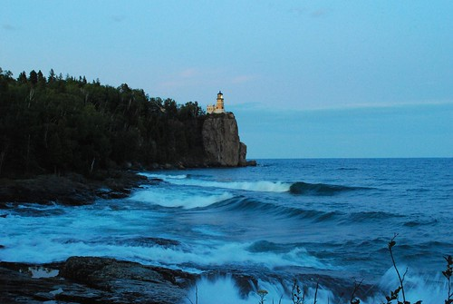 split rock lighthouse on
