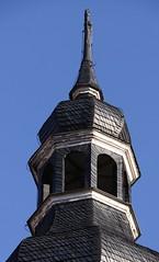 (:Linda:) Tags: blue germany thringen village shingle kirche bluesky thuringia steeple clocktower slate blau blauerhimmel schiefer wolkenloserhimmel slateshingle slateshingled ellingshausen kirchevonausen schiefergedeckt