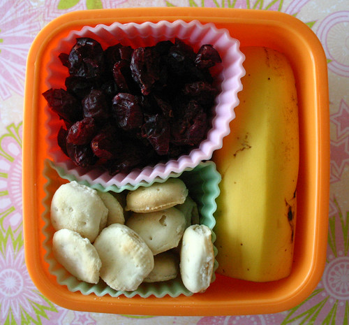 Kindergarten Snack Box #8: September 8, 2009