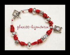 Pulsera cuero rojo 002 ( - ISA -  plexi10_bijouterie) Tags: leather metal charm bracelet pulsera cuero bisuteria abalorios