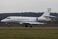 OY-CKF - Private - Dassault Falcon 2000 - Luton - 090312 - Steven Gray - IMG_1186