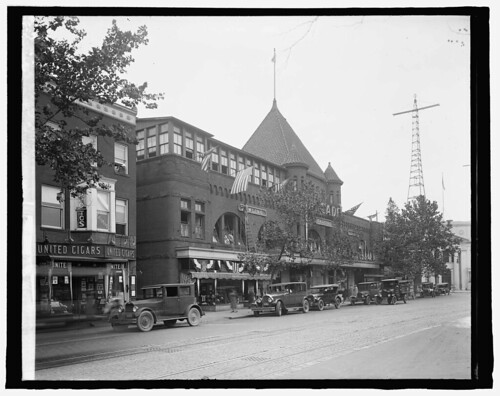 Arcade Market ca 1920 credit Library of Congress 31821u