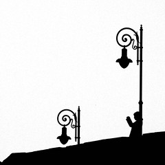 Fotografia (Lorena Gazzotti) Tags: streetlight bergamo controluce silohuette fotografare homersiliad